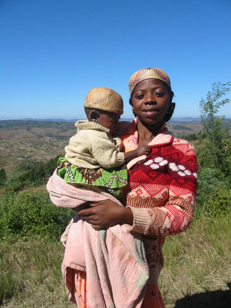 Jeune maman avec son bébé